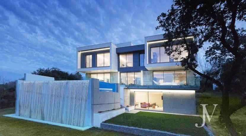 Vivienda construida en el 2019, en parcela con magnificas VISTAS, piscina tipo infinity pool6