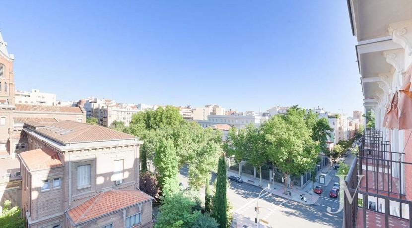 Almagro - Chamberí - Jose Abascal- 5 balcones a la calle, buenas vistas, 372m2 para reformar. 12