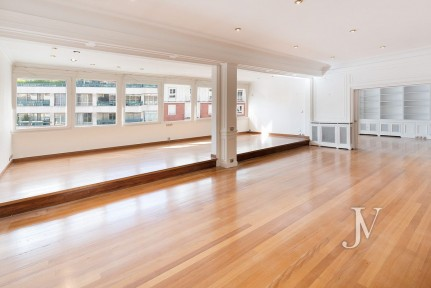 C/ José Abascal, 7th floor with 339sqm to refurbish, with garage