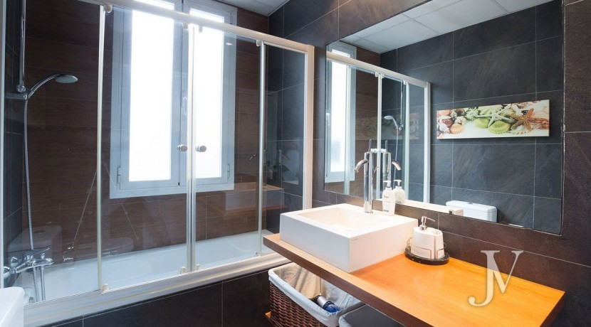 Ático amueblado de 2 dormitorios en la calle Alcalá (Ventas Guindalera) 1