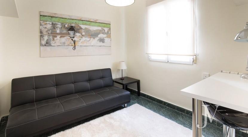 Ático amueblado de 2 dormitorios en la calle Alcalá (Ventas Guindalera) 11