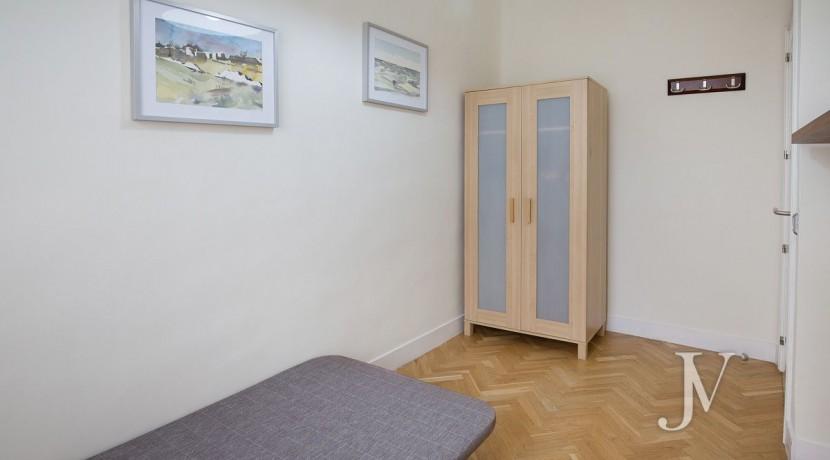 Ático amueblado de 2 dormitorios en la calle Alcalá (Ventas Guindalera) 12