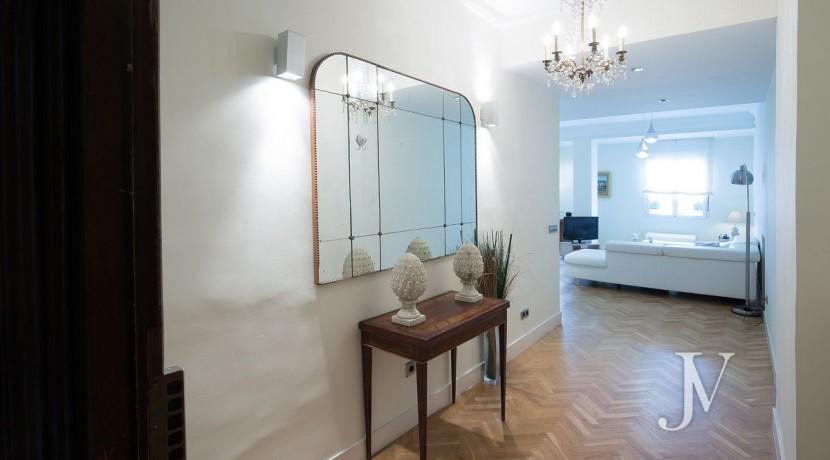 Ático amueblado de 2 dormitorios en la calle Alcalá (Ventas Guindalera) 15