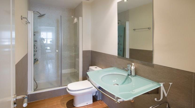 Ático amueblado de 2 dormitorios en la calle Alcalá (Ventas Guindalera) 4