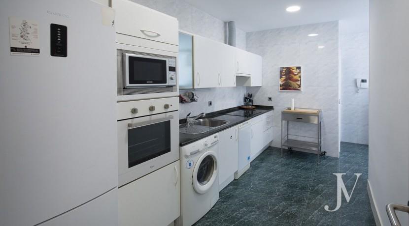 Ático amueblado de 2 dormitorios en la calle Alcalá (Ventas Guindalera) 8