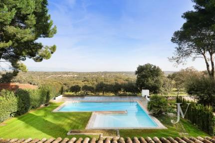 Villa next to El Pardo, with plot of 3.000sqm, in Casa Quemada / La Florida