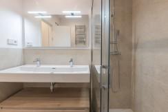 Barrio de Salamanca, a estrenar, 2 dormitorios con 2 baños, a patio de manzana 15