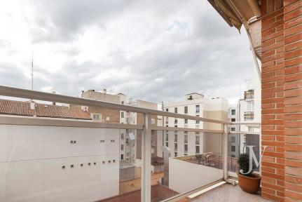 Barrio de Salamanca, Recoletos. 2 dormitorios con 2 baños y garaje