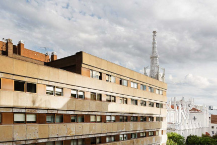 Barrio de Salamanca, zona prime, 242m2 para reformar, 2 plazas de garaje
