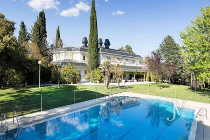 Detached Chalet for sale in Camino Alto, plot 5000m2 La Moraleja